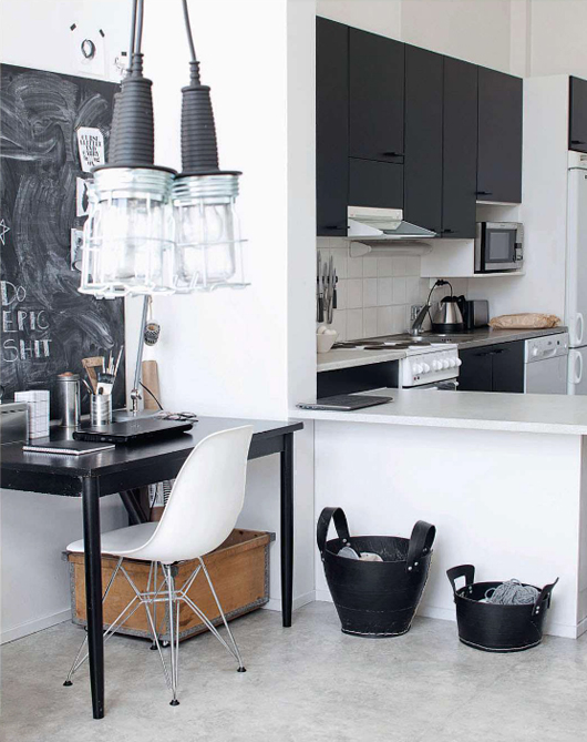 elle-decor-black-&-white-kitchen