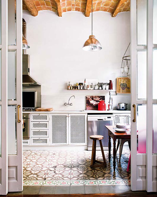 kitchen-with-spanish-tile