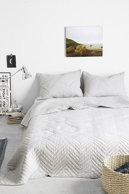 12 small space bedroom ideas / sfgirlbybay