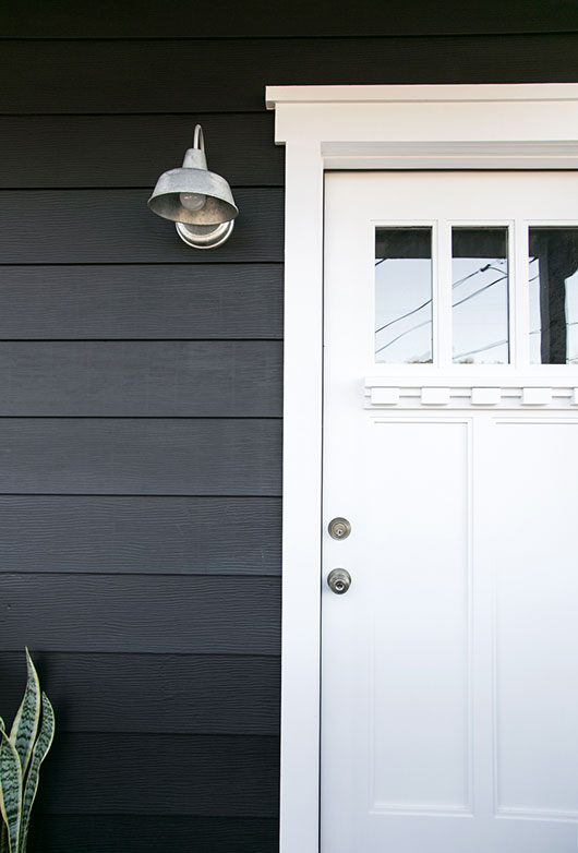 black house and door in benjamin moore satin oxford white / sfgirlbybay