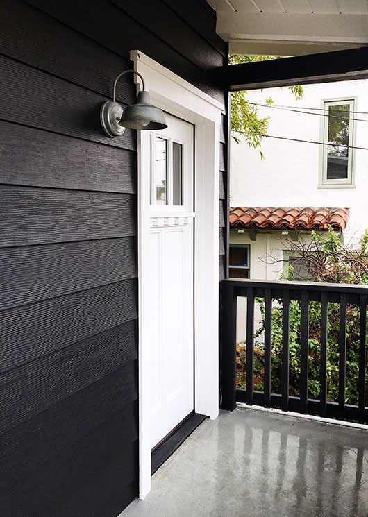 benjamin moore 39 s onyx black aura exterior house paint sfgirlbybay. Black Bedroom Furniture Sets. Home Design Ideas