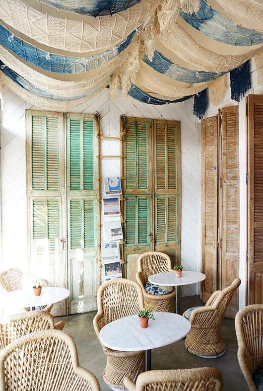 rattan dining chairs at the butcher's daughter venice / sfgirlbybay