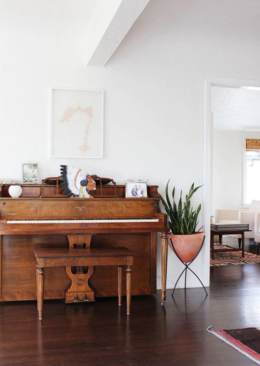 vintage piano and mid-century modern planter / sfgirlbybay
