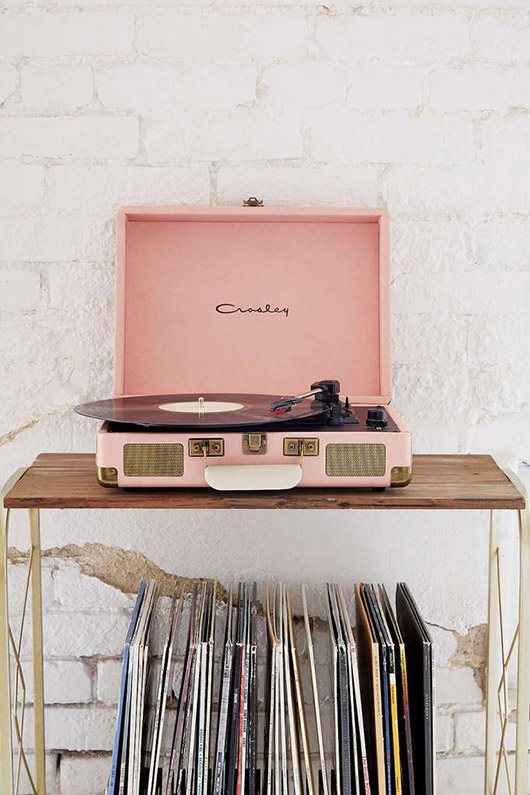 pink crosley record player. / sfgirlbybay